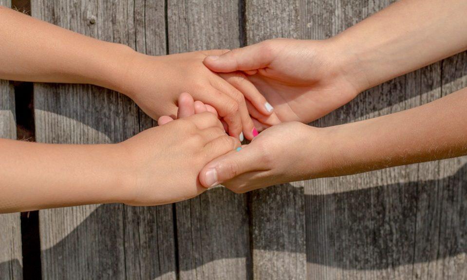 hands-2847510_960_720